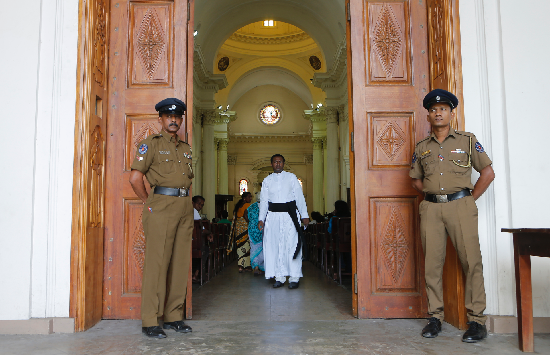 Westlake Legal Group ContentBroker_contentid-b20c12c070b741f78c3399dbb5ee0f40 Sri Lanka Catholics hold 1st Sunday Mass since attacks fox-news/world/world-regions/asia fox-news/world/terrorism fox-news/world fnc/world fnc COLOMBO, Sri Lanka Associated Press article 96625e12-3f56-5266-a60d-ce06cfae5bef