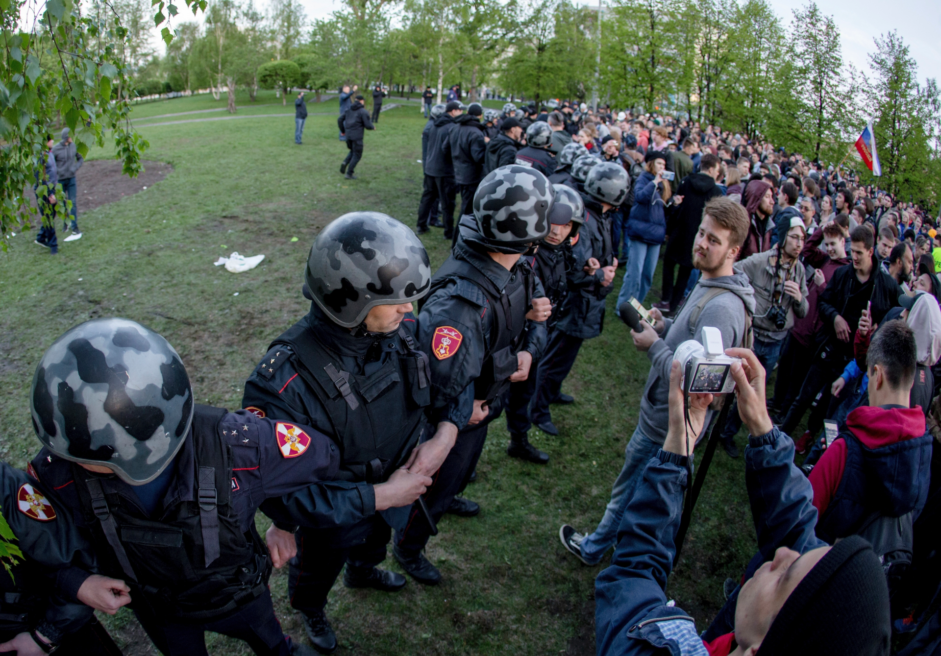 Russian riot police deployed before cathedral protest