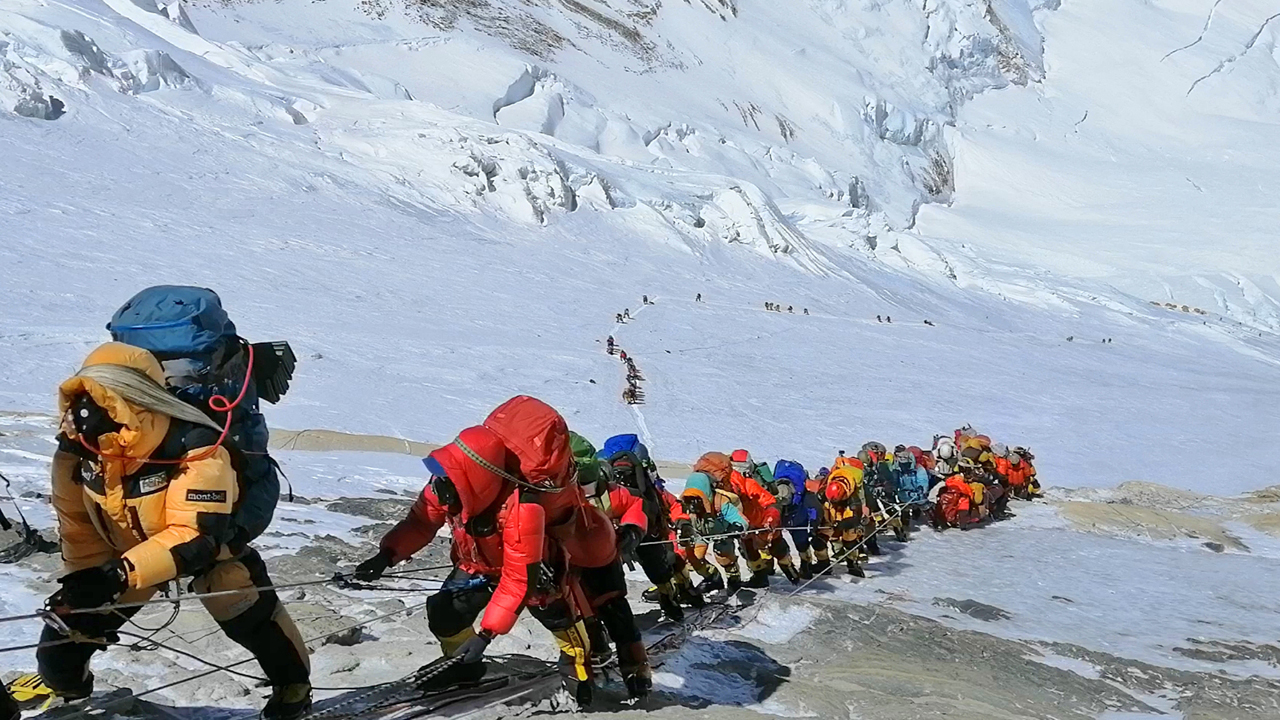 Mount Everest Sherpas slam Nepal's plan to use army for cleanups