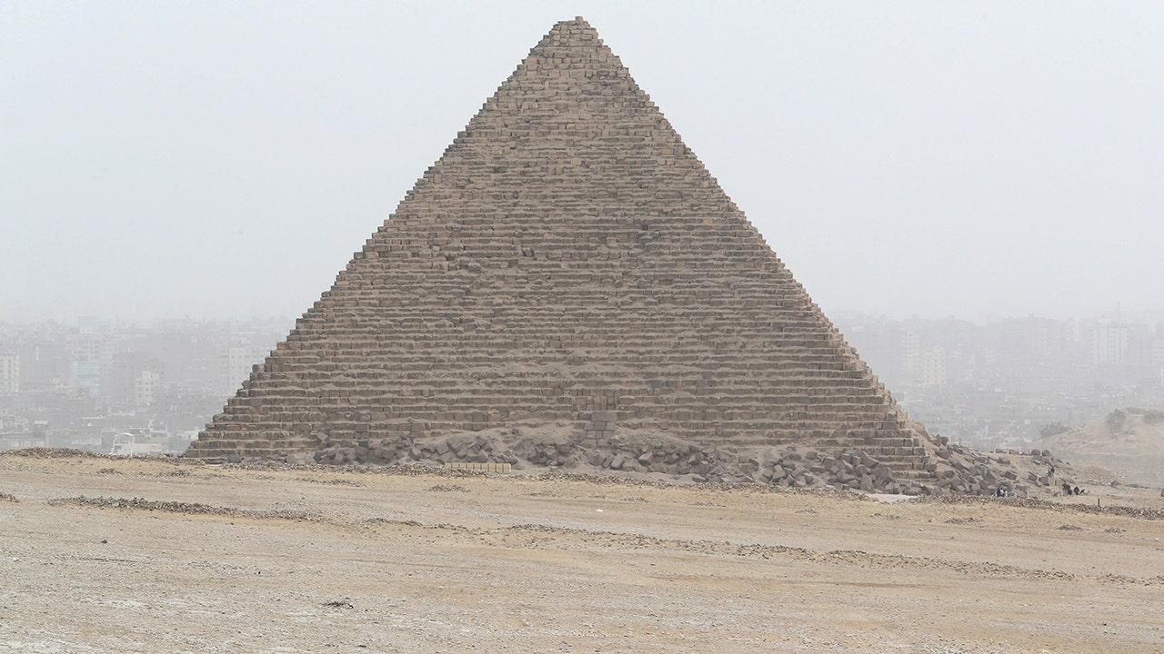 Westlake Legal Group RT-Giza Tourist bus hit by roadside bomb near Egypt's Giza Pyramids; injuries reported Travis Fedschun fox-news/world/world-regions/middle-east fox-news/world/terrorism fox news fnc/world fnc article ab769263-5c24-54ed-adfb-c41adfd9b523