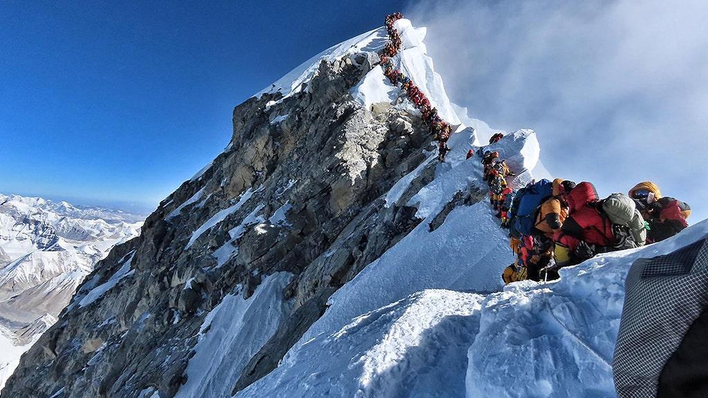 British climber dies on Mount Everest; death toll reaches 10 thumbnail
