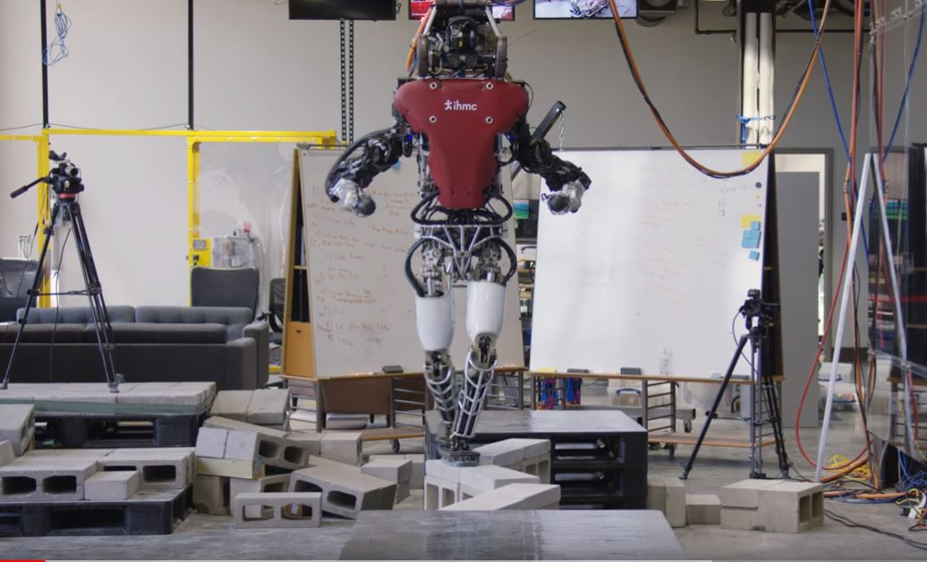 Humanoid robot crosses balance beam with ease in new video - Fox News