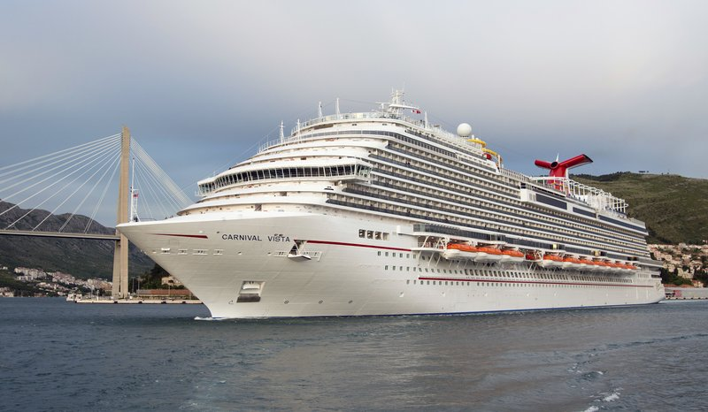 Carnival Cruise Line wouldn't let passenger off ship after 'major' heart attack, lawsuit alleges