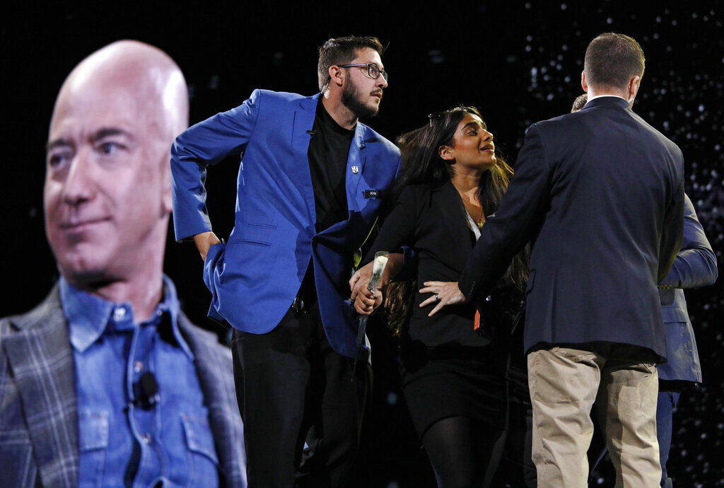 Westlake Legal Group AP19157727064003 Jeff Bezos confronted by animal-rights protester during Las Vegas conference fox-news/tech/companies/amazon fox news fnc/tech fnc e3e72620-4277-5398-bc19-129ea63831a2 Bradford Betz article