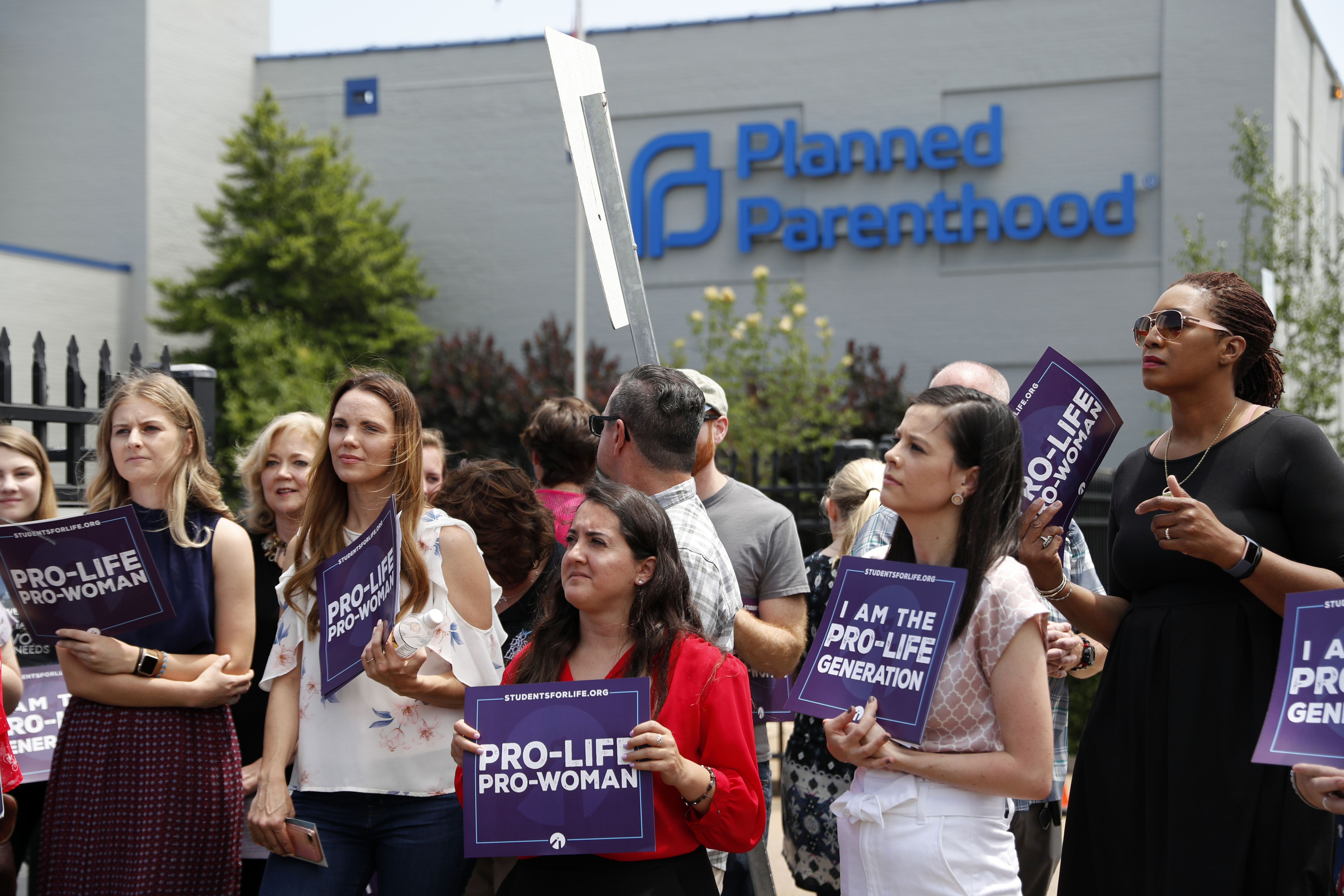 US abortion rates lowest in decades, report finds