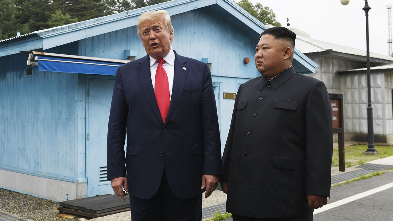 Westlake Legal Group AP19181248850736-1 Trump-Kim autographed pic can be yours for $24G Tamar Lapin New York Post Ian Mohr fox-news/person/kim-jong-un fox-news/person/donald-trump fox-news/news-events/us-north-korea-summit fnc/politics fnc cf243452-a4d7-58c4-8fe2-6b778781e357 article