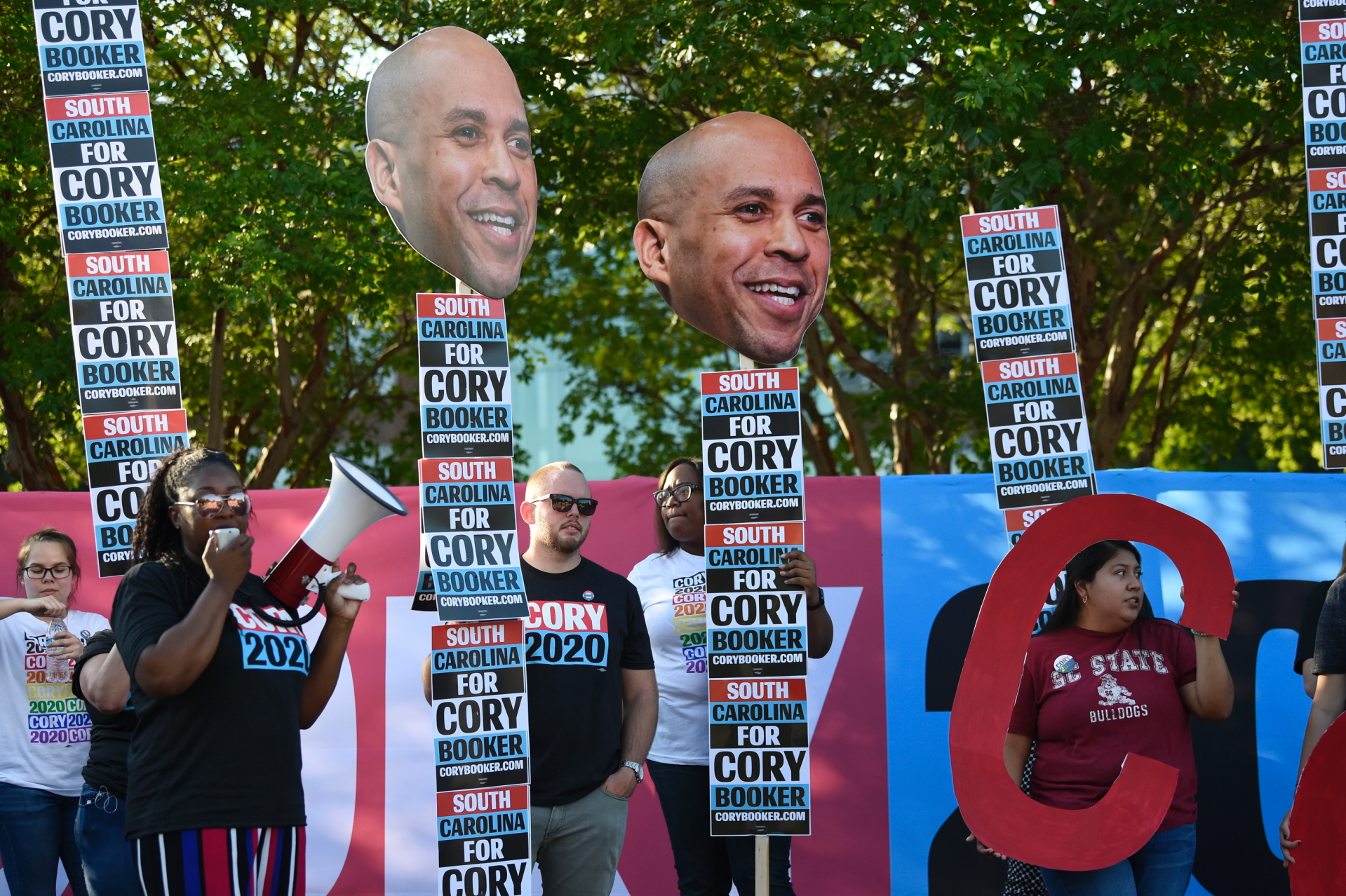 Westlake Legal Group ContentBroker_contentid-6e7abb36dce748719903a55add135a95 Liz Peek: Cory Booker runs away from school reform and straight into the arms of the teachers unions Liz Peek fox-news/us/education fox-news/politics/2020-presidential-election fox-news/person/cory-booker fox-news/opinion fox news fnc/opinion fnc article 6ada817c-30a8-5075-81a7-8765d33c21a1
