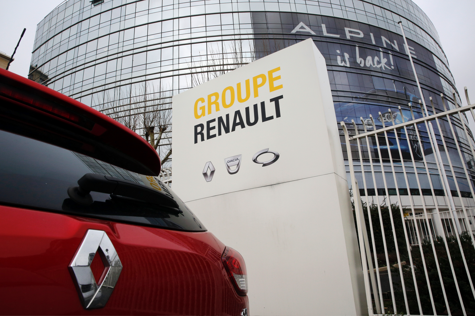 Westlake Legal Group ContentBroker_contentid-f833e48374e64fea8c87372cccf4ed55 French government: No rush for Renault-Fiat Chrysler merger Paris fox-news/world/world-regions/europe fox-news/world fnc/world fnc Associated Press article 4b83b502-edcc-58e4-bc17-bbbca91fe82f