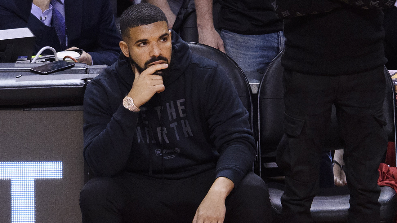 Drake responds after being booed offstage at Camp Flog Gnaw