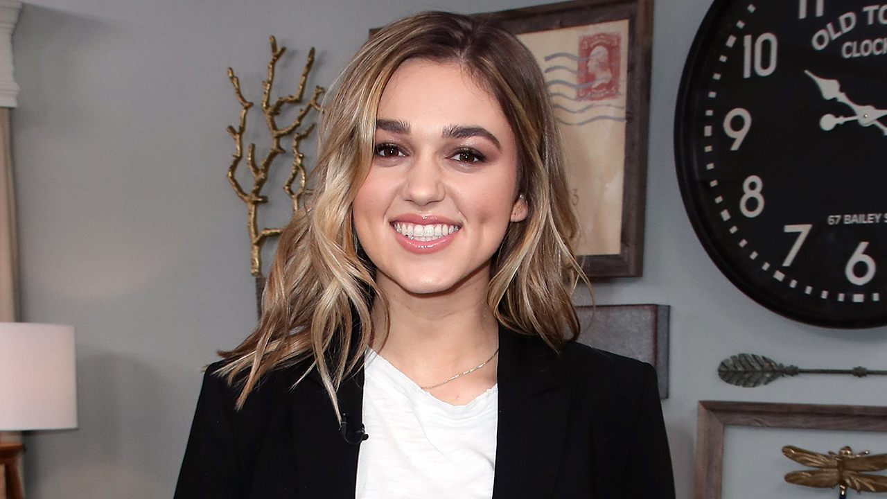 Westlake Legal Group Sadie-Robertson-GettyImages-938893238 'Duck Dynasty' star Sadie Robertson says husband Christian Huff loves her stretch marks fox-news/entertainment/events/marriage fox-news/entertainment/events/couples fox-news/entertainment/duck-dynasty fox-news/entertainment/celebrity-news fox-news/entertainment fox news fnc/entertainment fnc article Andy Sahadeo 32e8677f-10b6-5f41-88a5-7ff820c29086