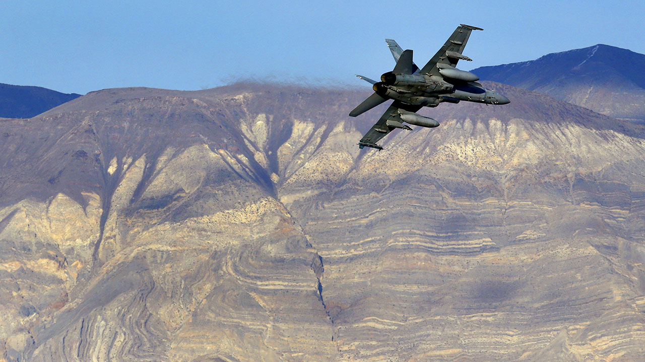 F/A-18 Super Hornet crashes in California's Death Valley, 7 hurt on the ground