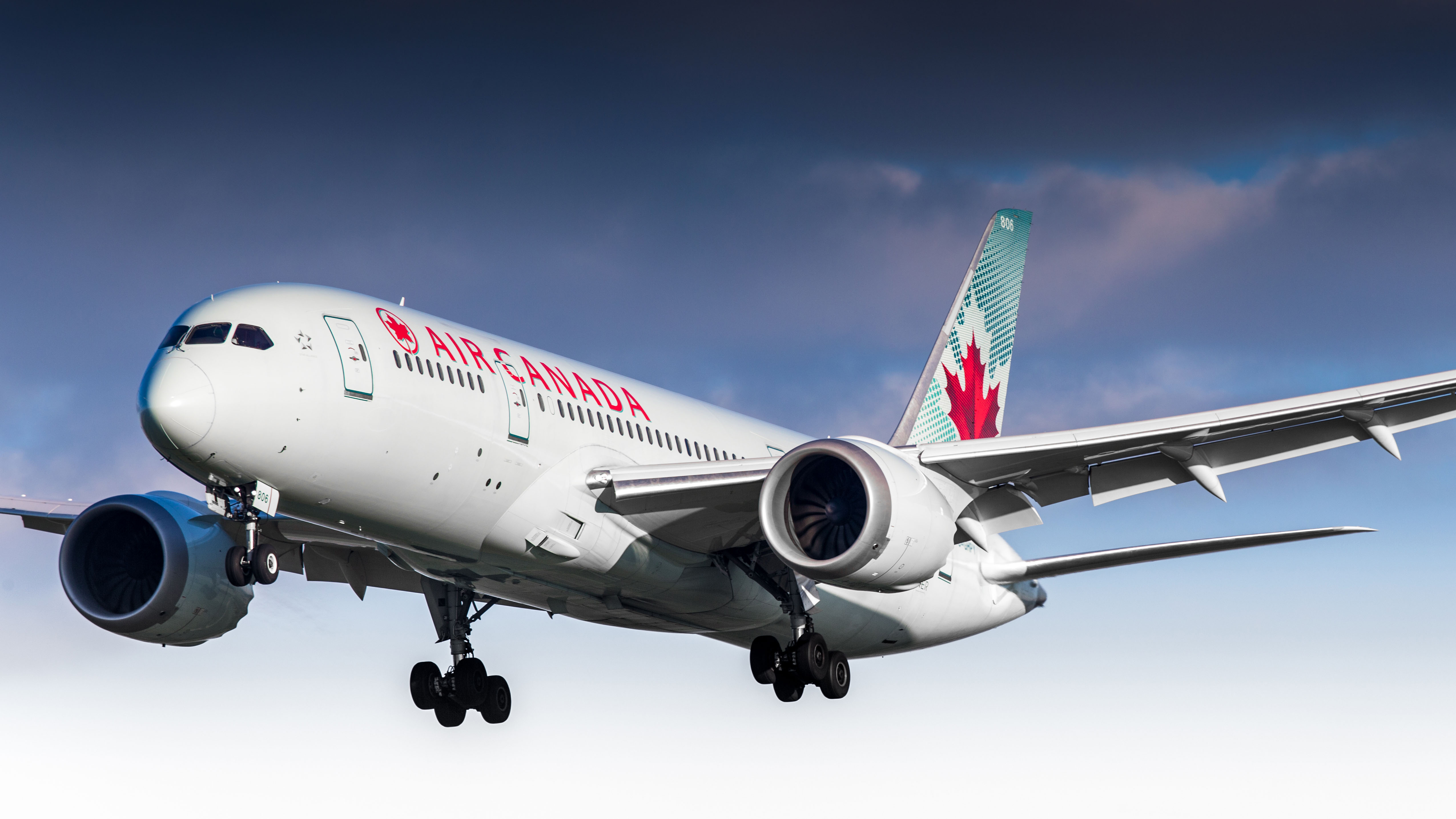Air Canada flight forced to divert after windshield crack noticed midflight