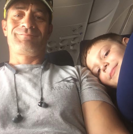 Mom praises passenger who looked out for autistic son flying alone: 'Thank you so much'