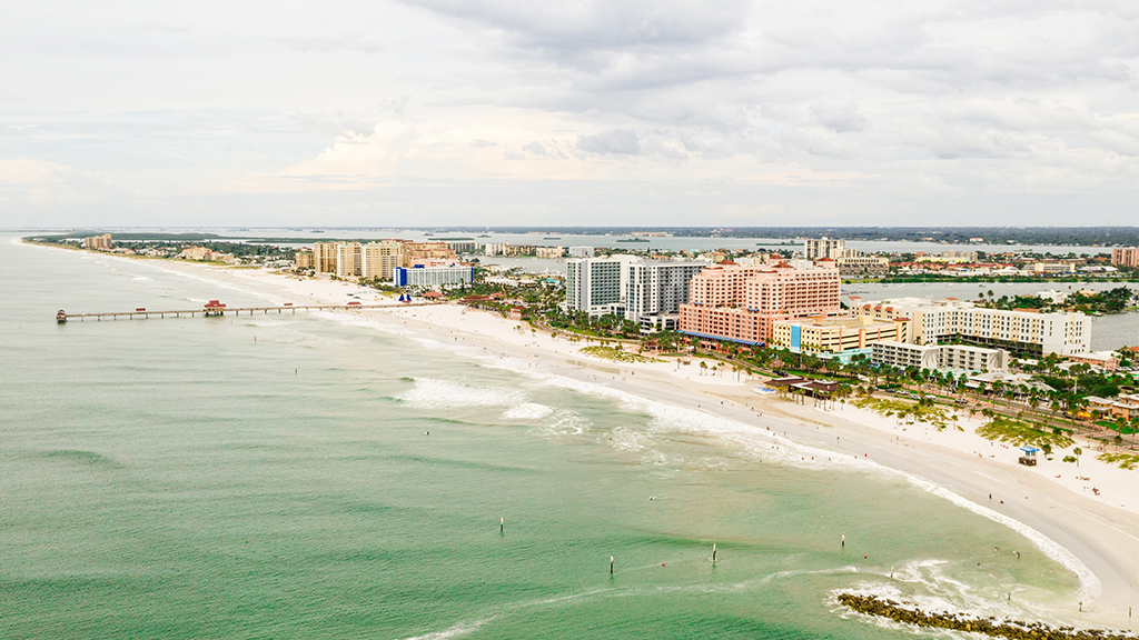 8 injured after lightning strike at Florida beach, 1 struck directly, officials say