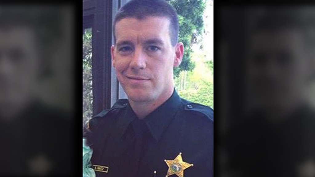 Florida deputy killed in crash while responding to domestic dispute, officials say