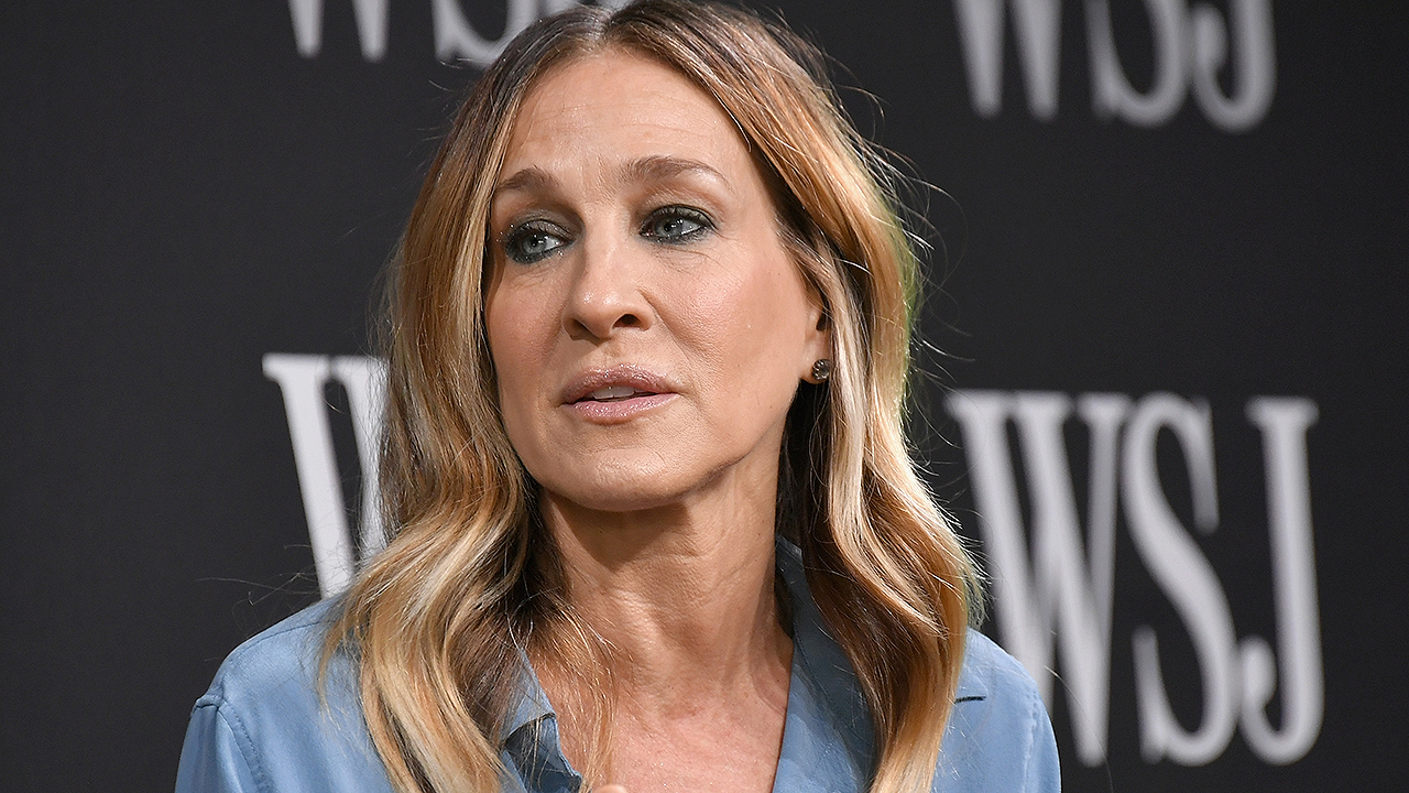 Sarah Jessica Parker reveals a shocking 'Sex and the City' theory about Carrie Bradshaw