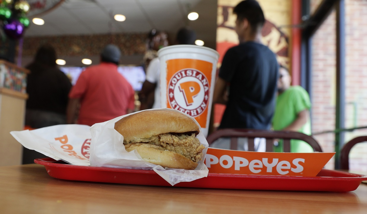 Westlake Legal Group AP19234677071172 Tennessee man sues Popeyes over fruitless (or chickenless) hunt for sold-out sandwich Louis Casiano fox-news/us/us-regions/southeast/tennessee fox-news/odd-news fox-news/lifestyle/fast-food fox news fnc/food-drink fnc c3ebd18e-3bab-53de-8f09-8962be658bce article