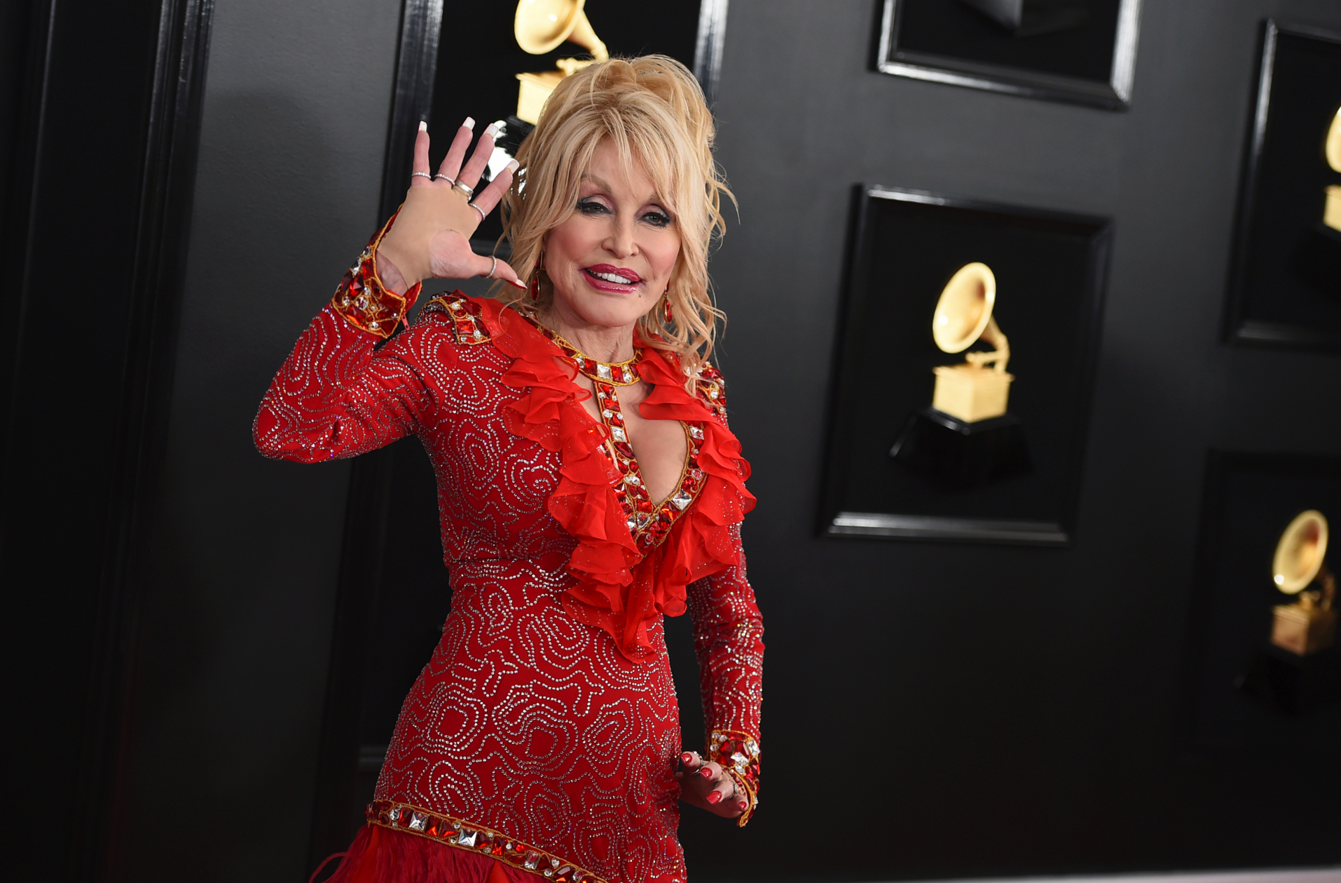 Dolly Parton says these two actresses could play her in a movie