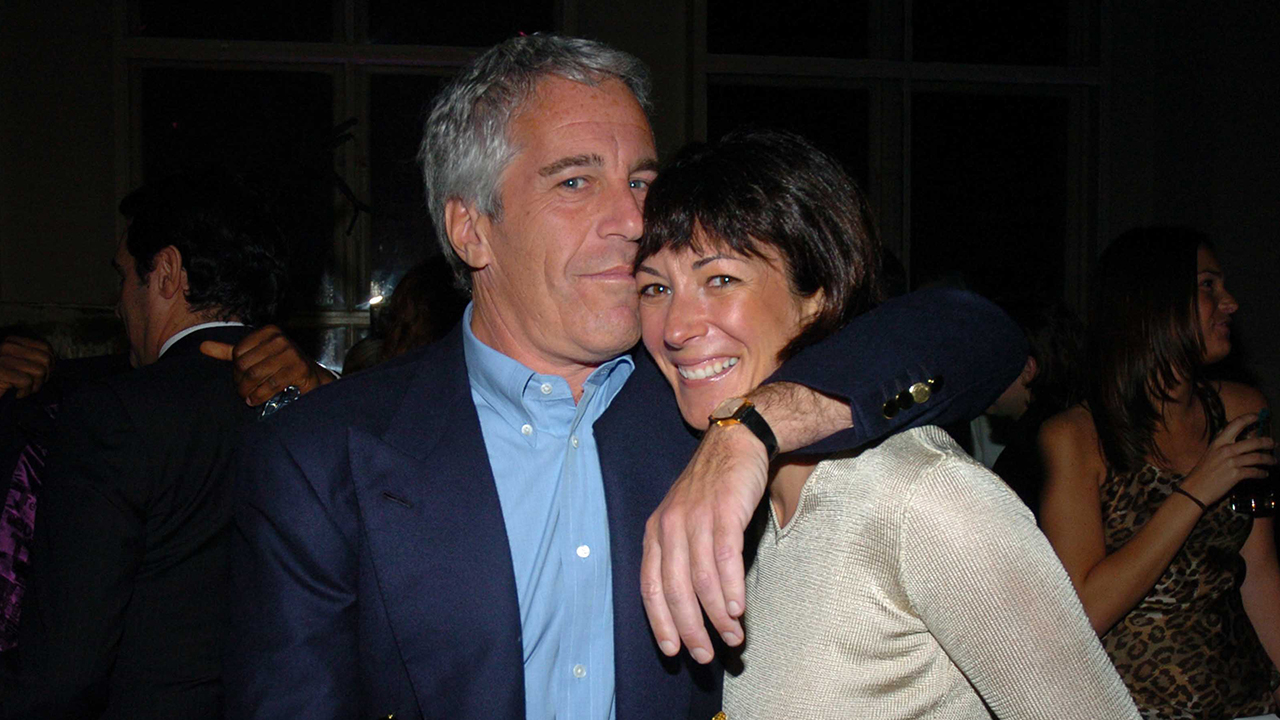 Westlake Legal Group Ghislaine-Maxwell-GettyImages-590696434 Jeffrey Epstein's alleged madam, Ghislaine Maxwell photographed at California burger joint: report fox-news/us/us-regions/west/california fox-news/person/jeffrey-epstein fox news fnc/us fnc df55cdae-697d-5c34-9ed1-29a86cbe741a Danielle Wallace article