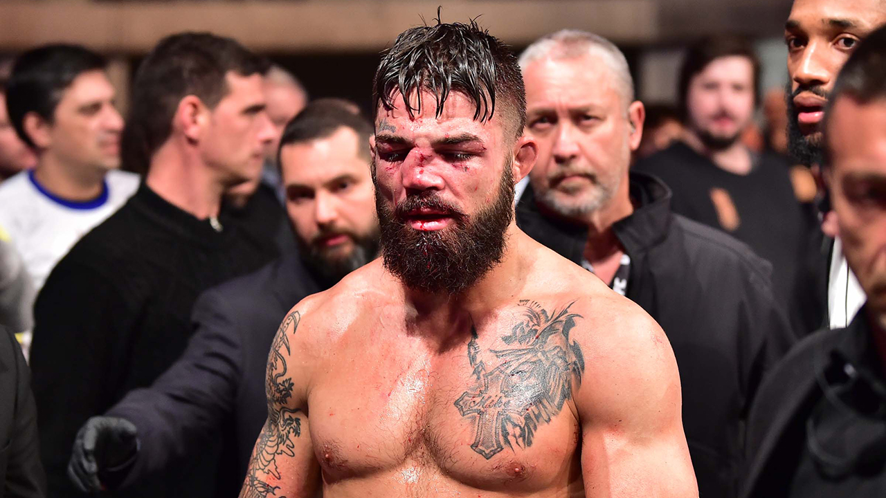 Ngôi sao của UFC Mike Perry để 'tìm kiếm sự đối xử chuyên nghiệp' sau sự cố tại quán bar Texas