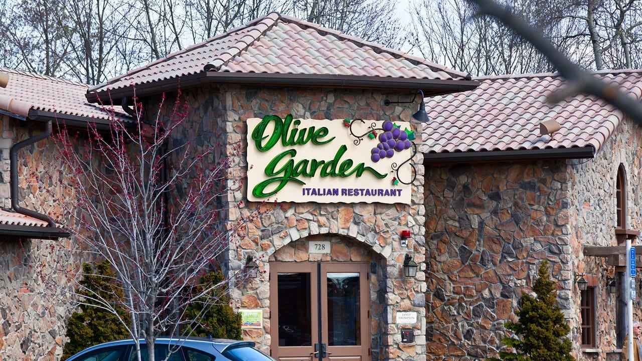 Olive Garden former waitress reveals restaurant 'secrets,' or so she claims in TikTok video