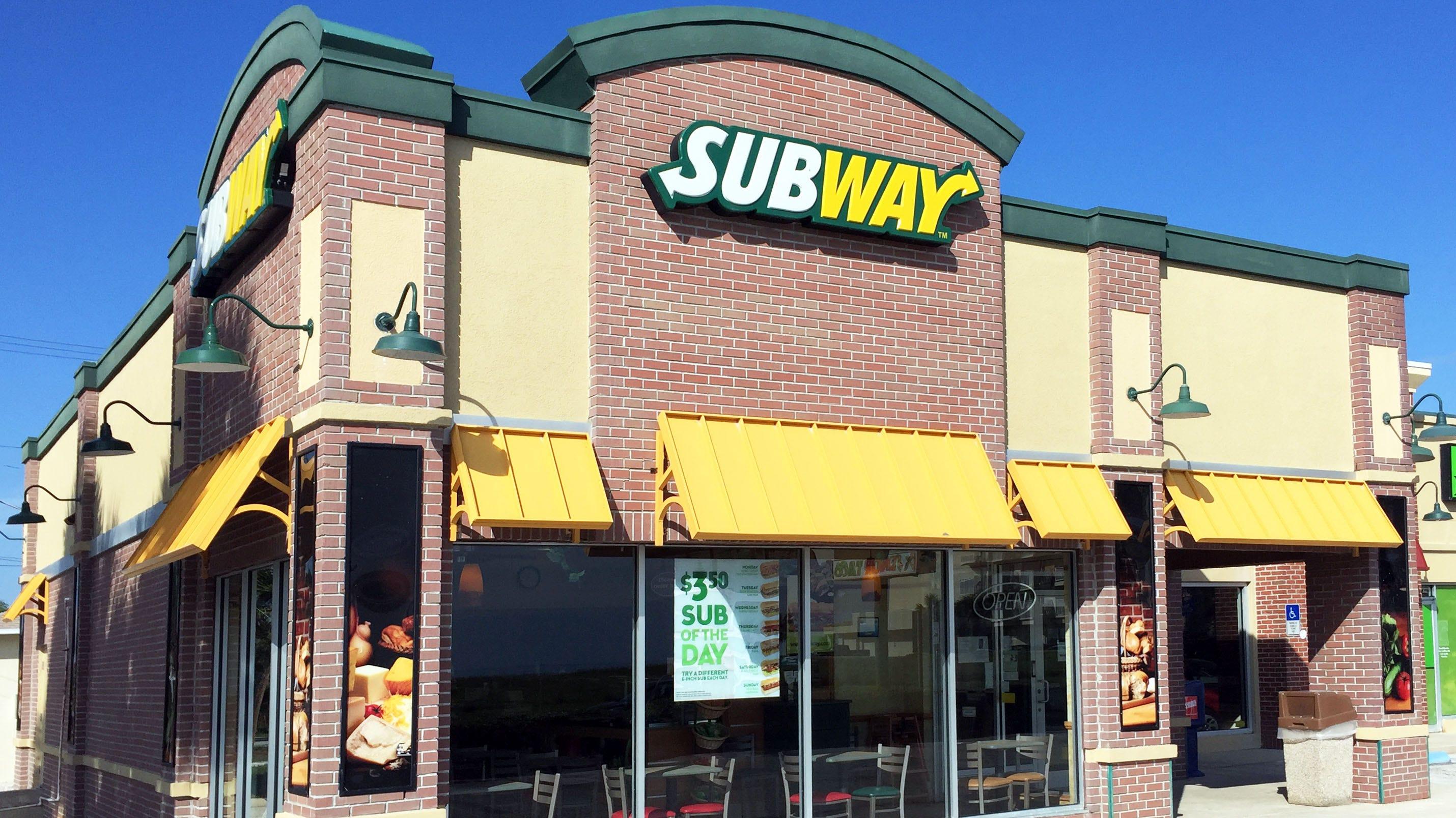Westlake Legal Group Subway-restaurant Thief breaks into Subway sandwich shop, fixes himself chicken hero New York Post fox-news/us/crime fox-news/travel/vacation-destinations/washington-dc fnc/us fnc Ben Feuerherd article 85ae985b-b084-5d3d-8998-ce77d82a5cba