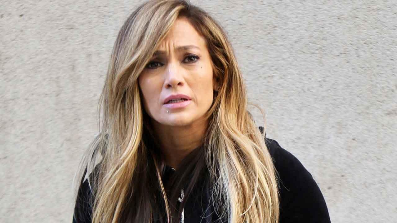 Jennifer Lopez denies 'Hustlers' rumor she used body double for pole dance