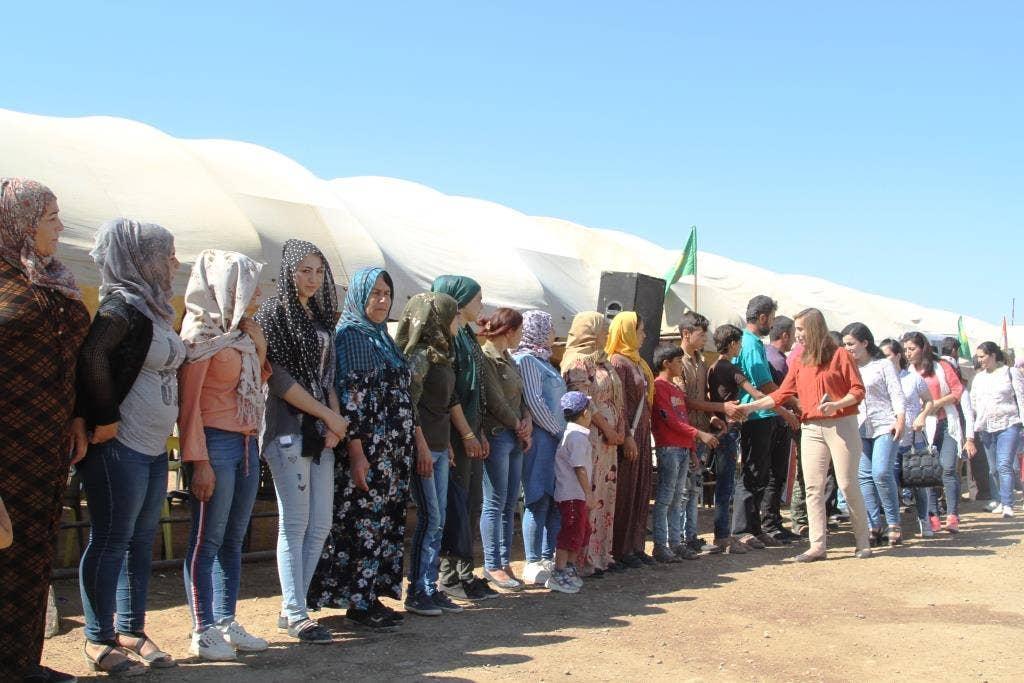 Kurdish-Syrian 'feminists' form giant human shield to resist Turkish incursion thumbnail