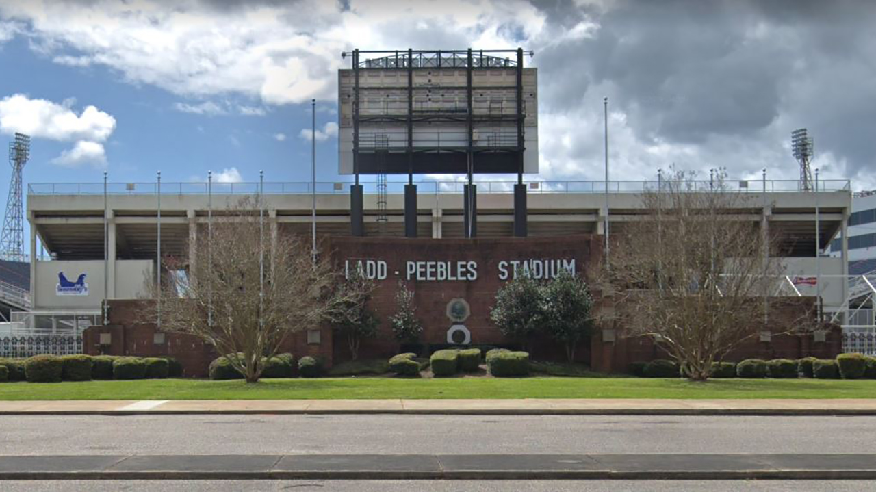 Westlake Legal Group ladd-peebles-stadium Gunfire at Alabama high school football game leaves at least 6 shot: reports fox-news/us/us-regions/southeast/alabama fox-news/us/crime fox news fnc/us fnc d6e81350-0242-532f-b0f0-386eabef9709 Brie Stimson article