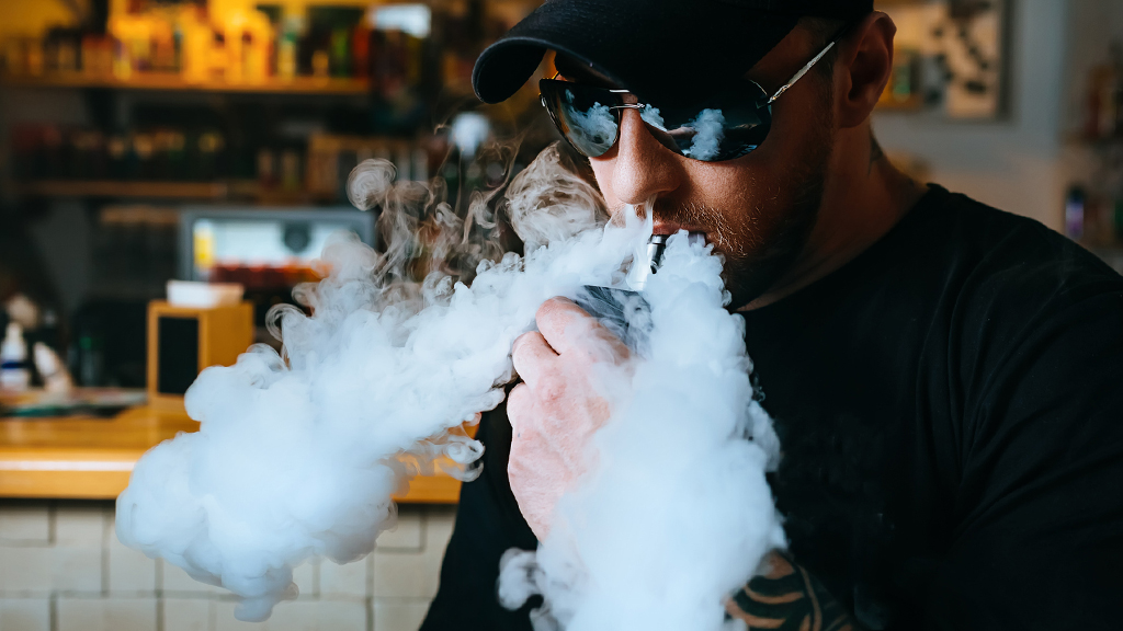 Westlake Legal Group vaping-iStock Physician warns vaping teens are 'inhaling these harmful chemicals and toxins into their lungs' Sam Dorman fox-news/shows/americas-news-hq fox-news/media/fox-news-flash fox-news/health/healthy-living/health-care fox news fnc/media fnc article 332f266a-2712-56ef-8d30-e55125d782f5