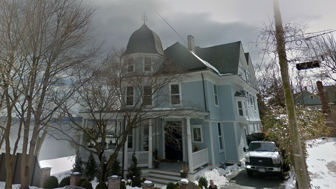 'Legally' haunted New York home back on the market