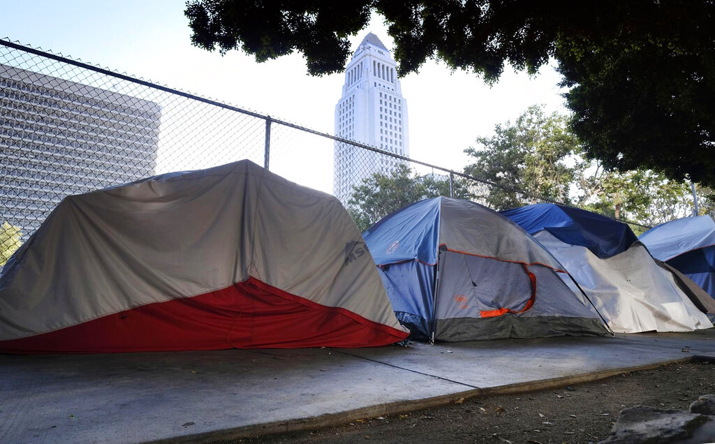 Trump says California cities 'destroy themselves' with homelessness thumbnail