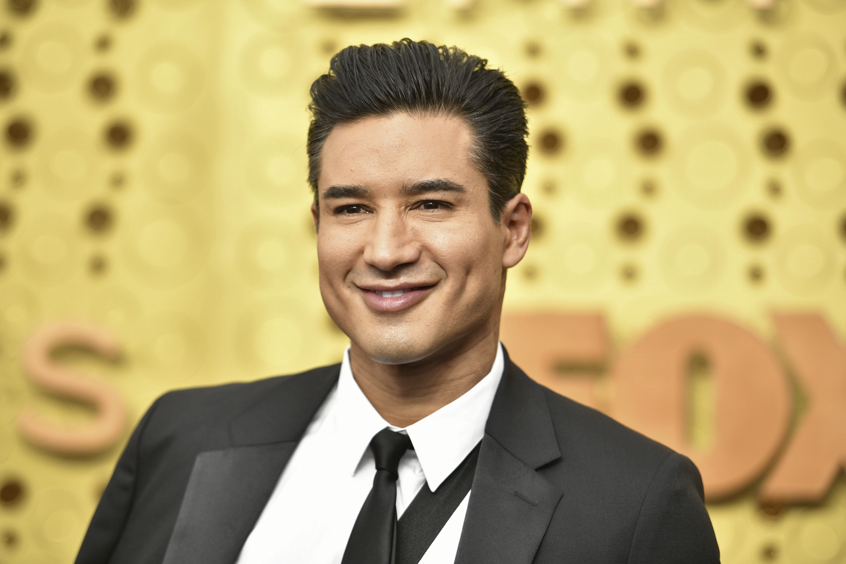 Emmys 2019: Mario Lopez steps out for award show days after undergoing surgery