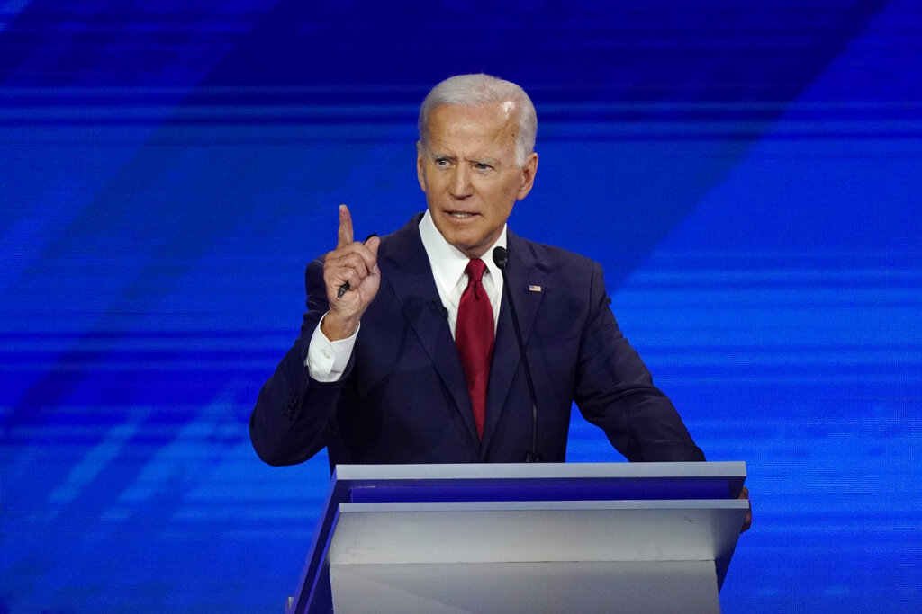 Biden apologizes for calling Clinton impeachment 'partisan lynching,' but hammers Trump again for using term thumbnail