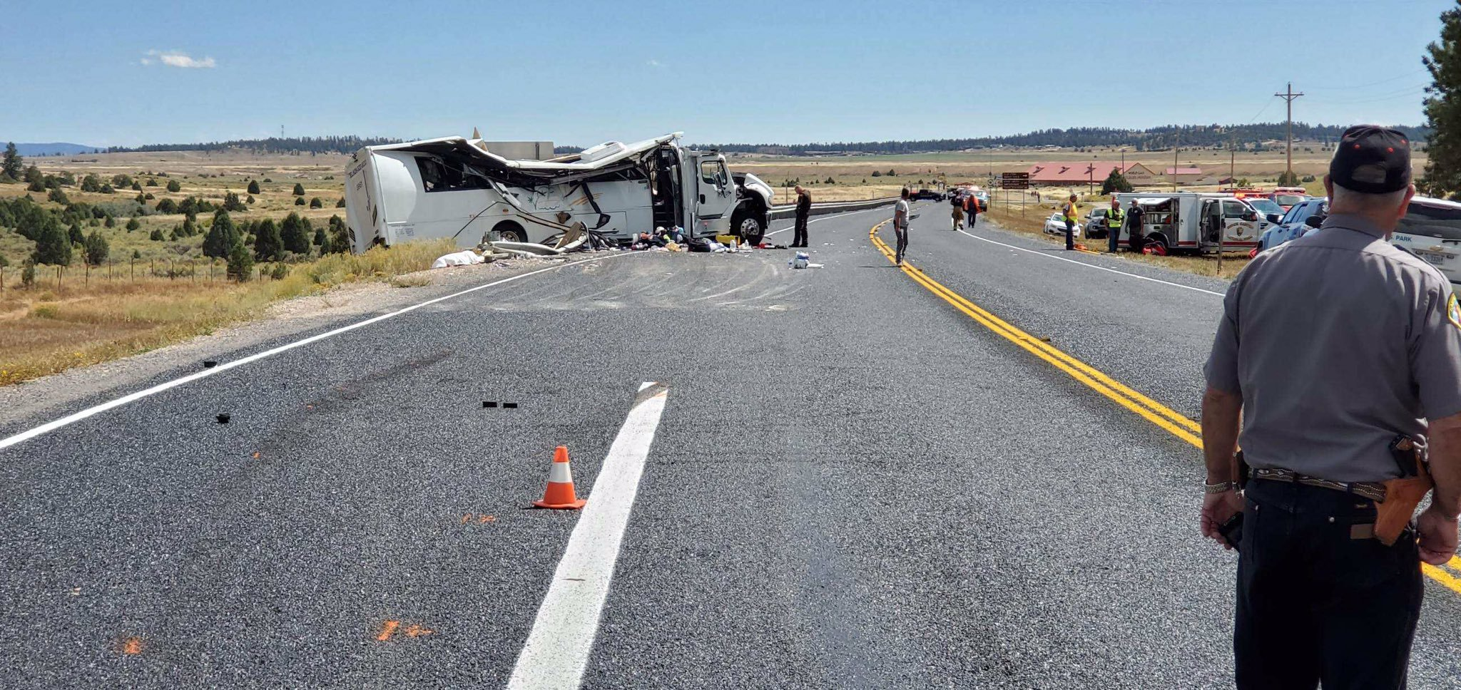 At least 4 dead, up to 15 critically hurt in Utah tour bus crash near Bryce Canyon National Park