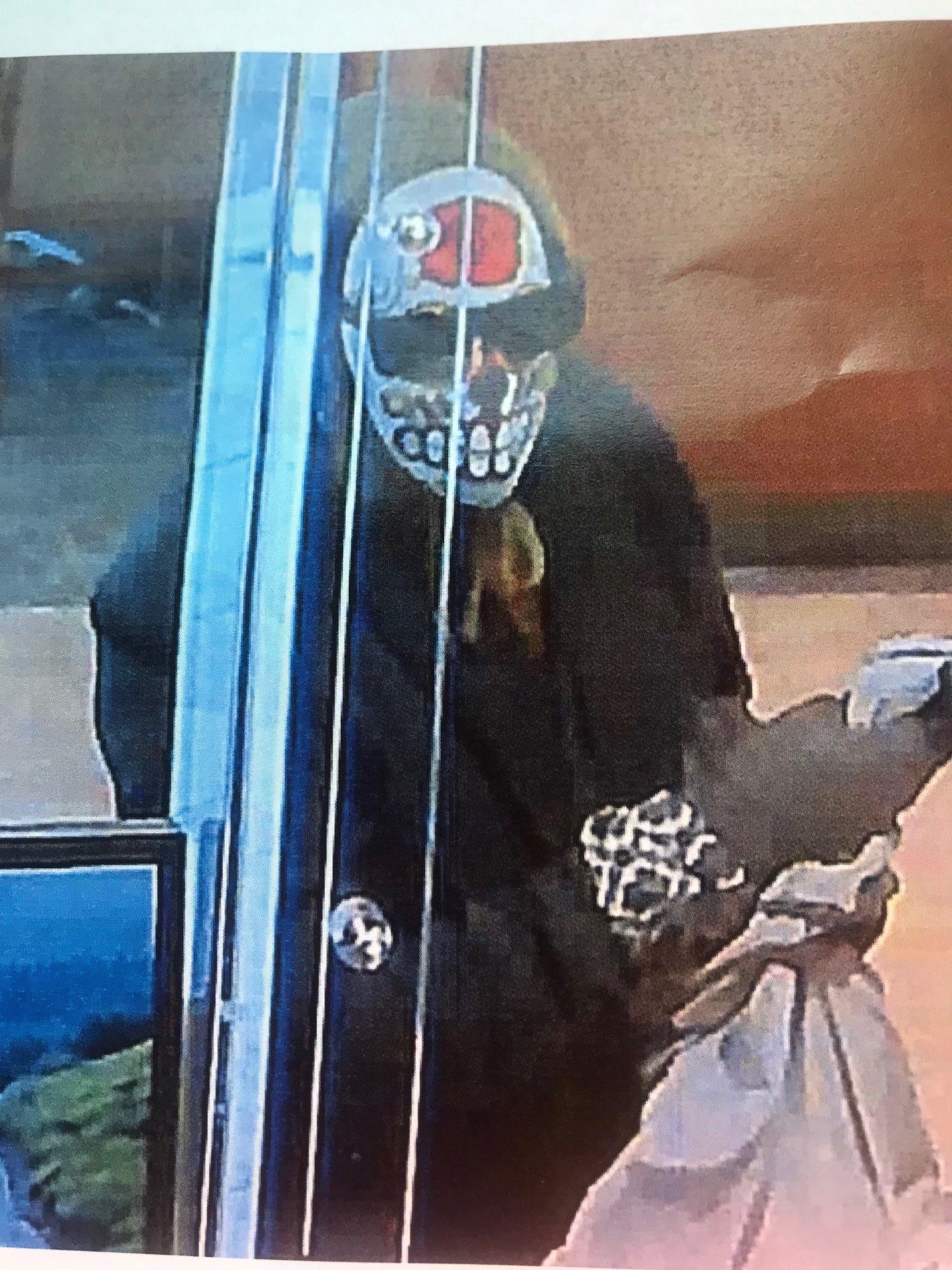 Brazen armed bank robbery on high-end Santa Monica street, suspect on loose