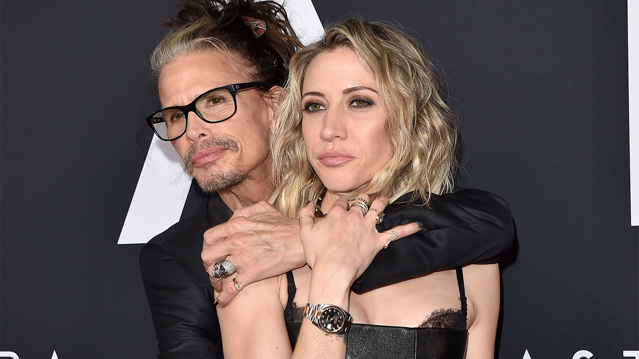 Steven Tyler, 71, packs on the PDA with girlfriend Aimee Preston, 32, on red carpet