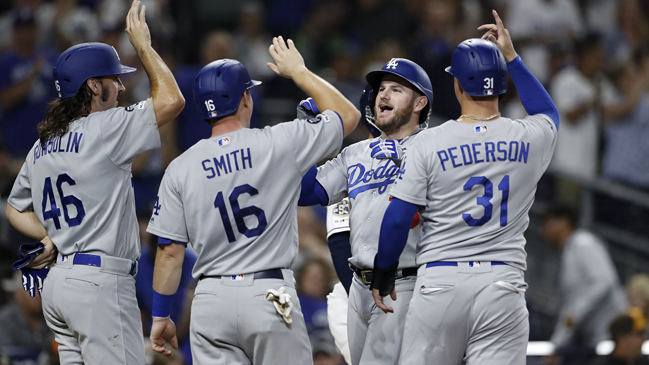 Muncy hits slam for Dodgers, who get NL home-field edge