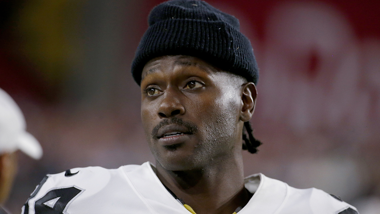 Westlake Legal Group NFL-Antonio-Brown10 Antonio Brown being investigated for 'possible battery' at his Florida home: report Ryan Gaydos fox-news/us/us-regions/southeast/florida fox-news/sports/nfl/pittsburgh-steelers fox-news/sports/nfl/oakland-raiders fox-news/sports/nfl/new-england-patriots fox-news/sports/nfl fox-news/person/antonio-brown fox news fnc/sports fnc article 4bdcc934-cefe-5ca0-8cb4-bd1a7017ec38