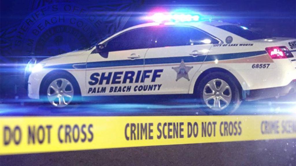 Westlake Legal Group PBSO-patrol-car Florida intruder kills man before neighbor shoots him, reports say Talia Kaplan fox-news/us/us-regions/southeast/florida fox-news/us/crime/robbery-theft fox-news/us/crime/homicide fox news fnc/us fnc article 10448410-1daa-5069-a027-abd2add4b67c