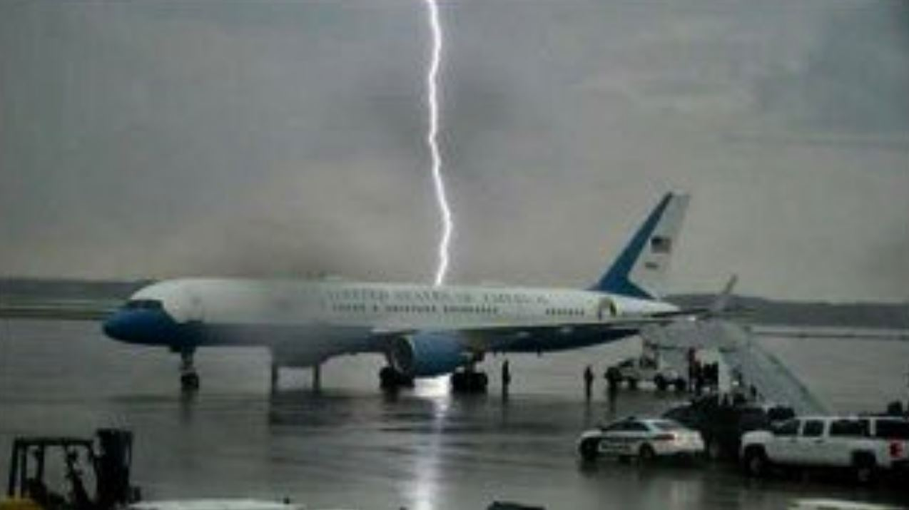 Westlake Legal Group PLANE Trump tweets dramatic photo of lightning strike behind Air Force One: 'Amazing!' fox-news/person/donald-trump fox news fnc/politics fnc Bradford Betz article 2d3f271f-f1a0-5f8f-9df7-3c8adf19c262