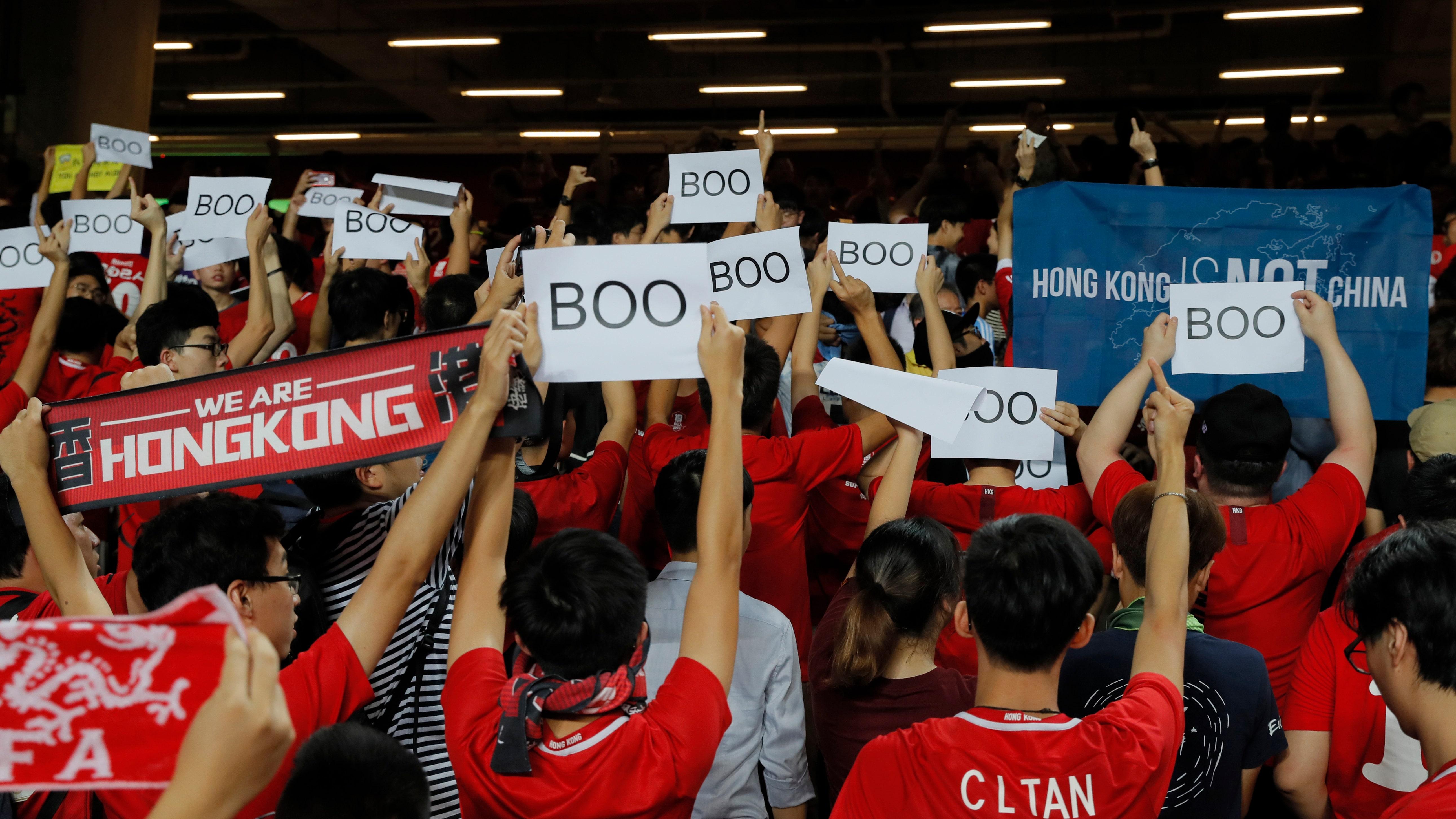 FIFA罰金、香港サッカー体中国歌斉唱に抗議