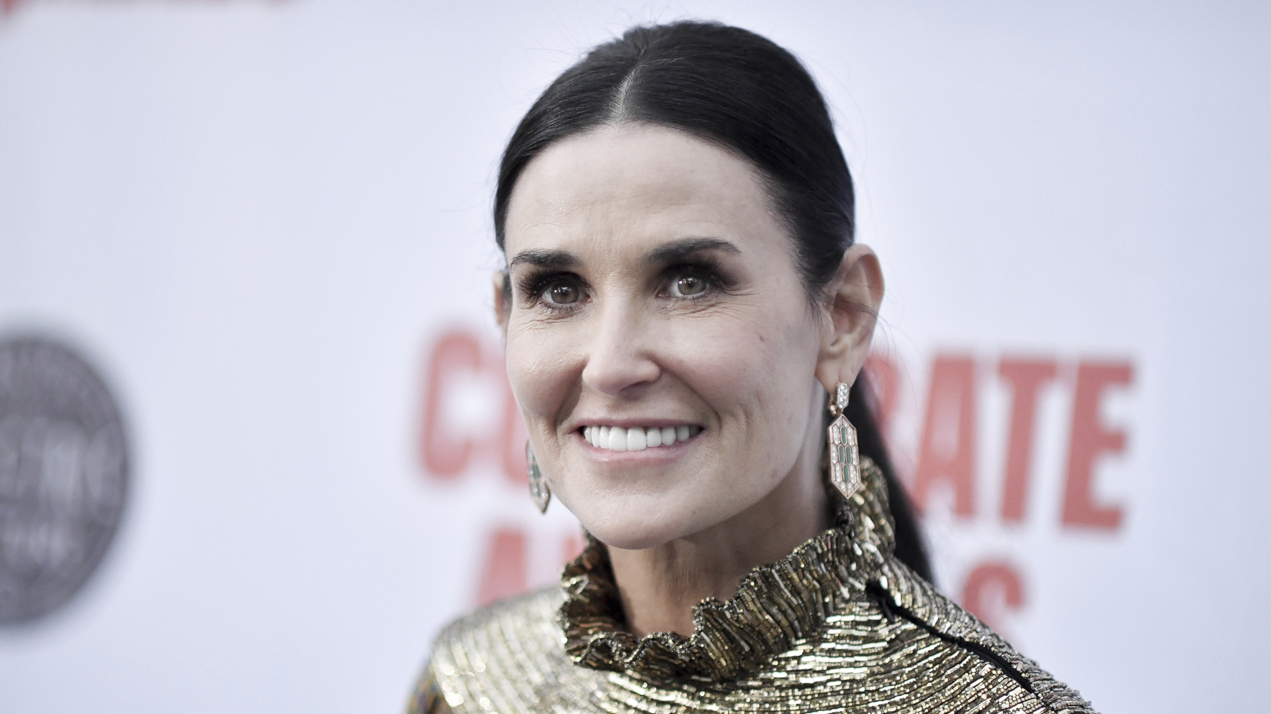 Pics of Demi Moore's unique bathroom send social media into a frenzy: 'Trying to understand'