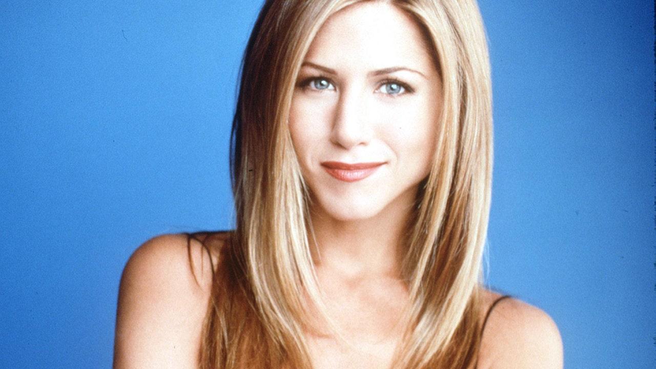 Bộ phim 'Friends' mới nhất của Jennifer Aniston cho thấy những hình ảnh hậu trường trong phim sitcom