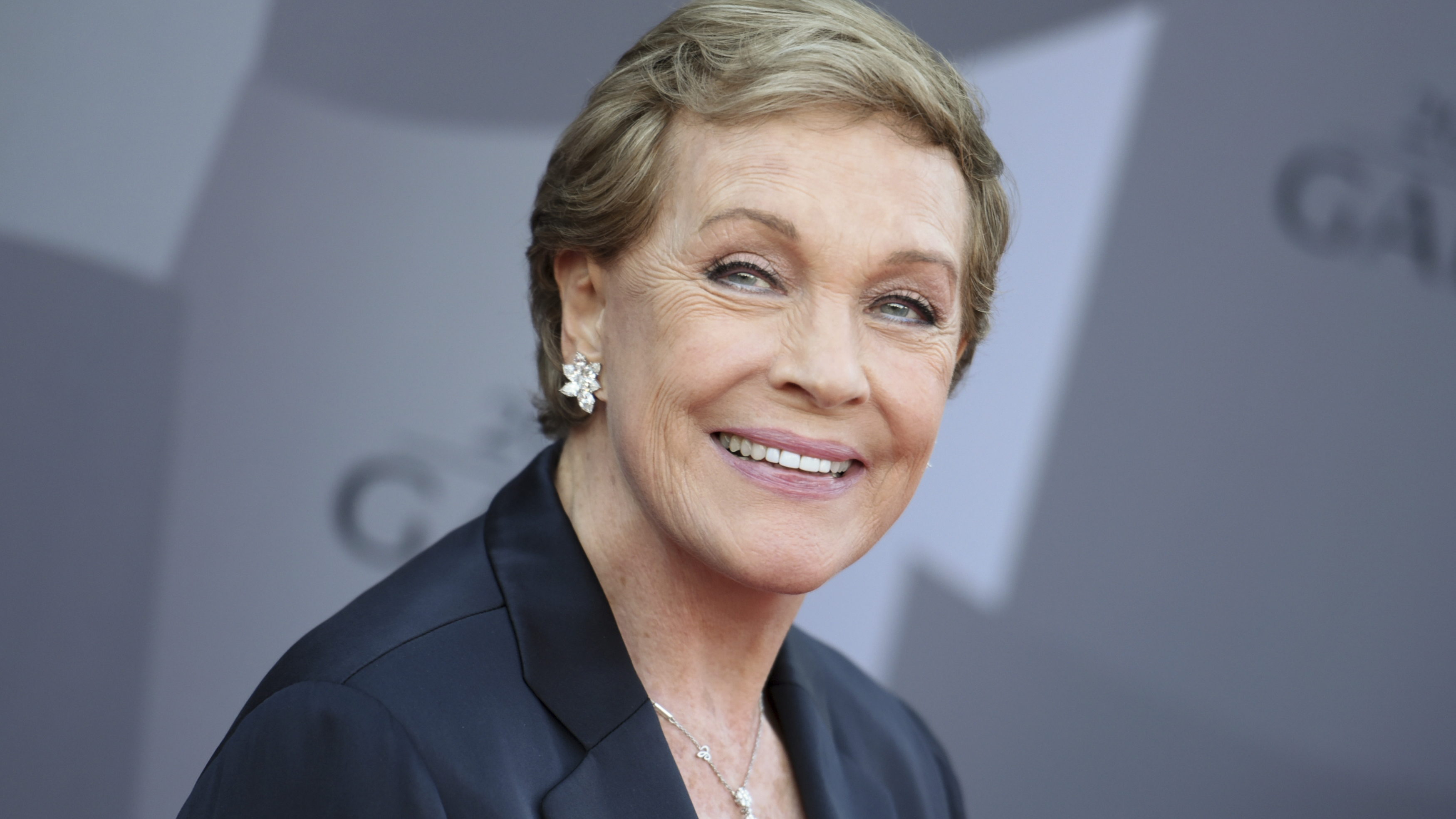 Julie Andrews talks 'second career' and memoir: 'That's a whole new life for me'