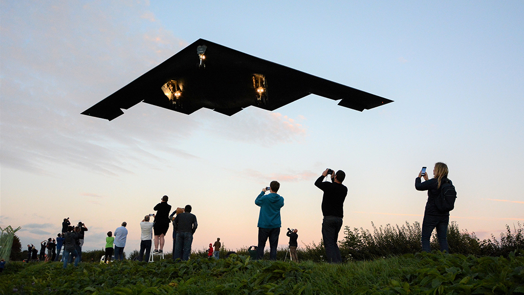 B-2 stealth bomber flies just 60 feet above impressed plane spotters' heads