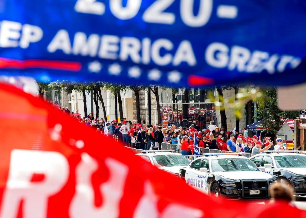 Trump headlines Dallas rally as scrutiny over Ukraine intensifies