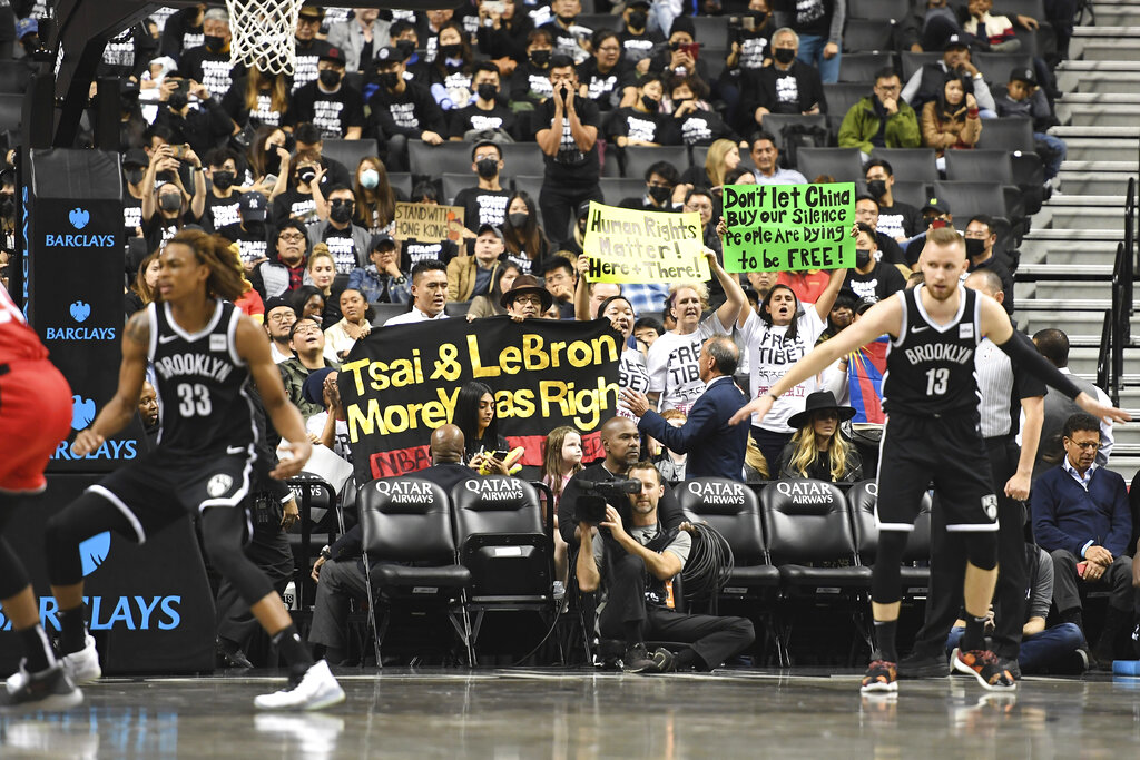 Brooklyn Nets fans target LeBron James, support Hong Kong in Barclays Center protest