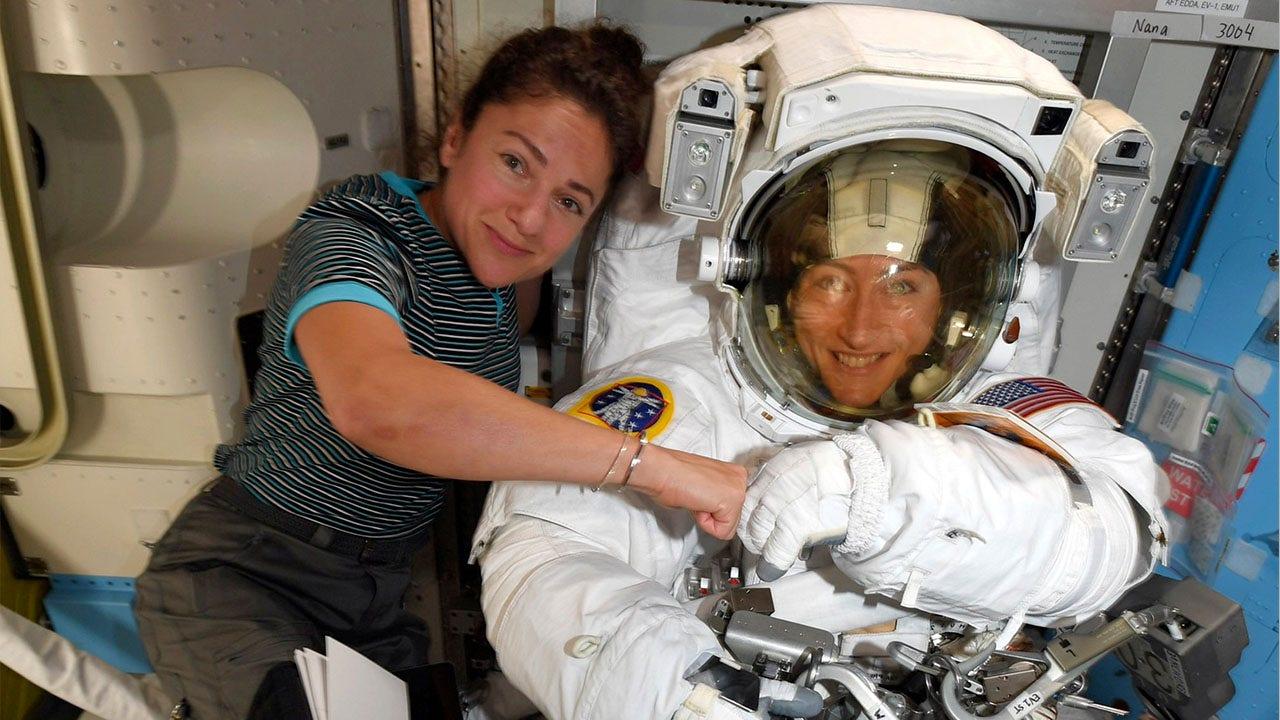 NASA mengumumkan pertama semua-laki-laki angkasa angkasa setelah kontroversi