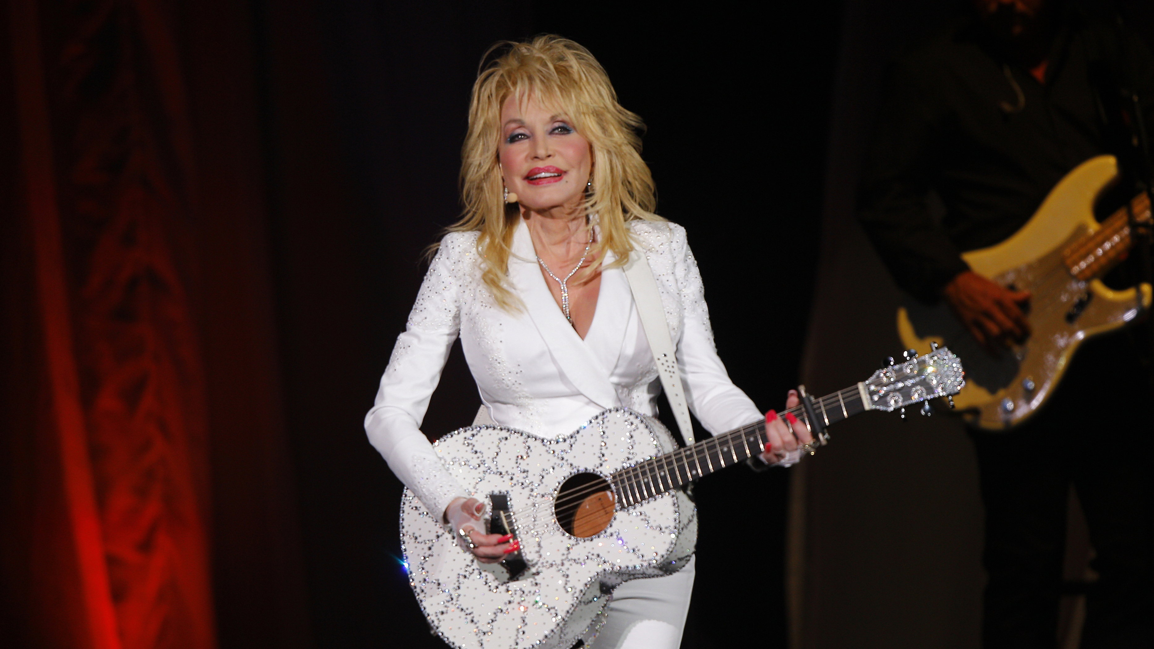 Dolly Parton addresses her big donation that led to a coronavirus vaccine: 'I just wanted it to do good' - Fox News